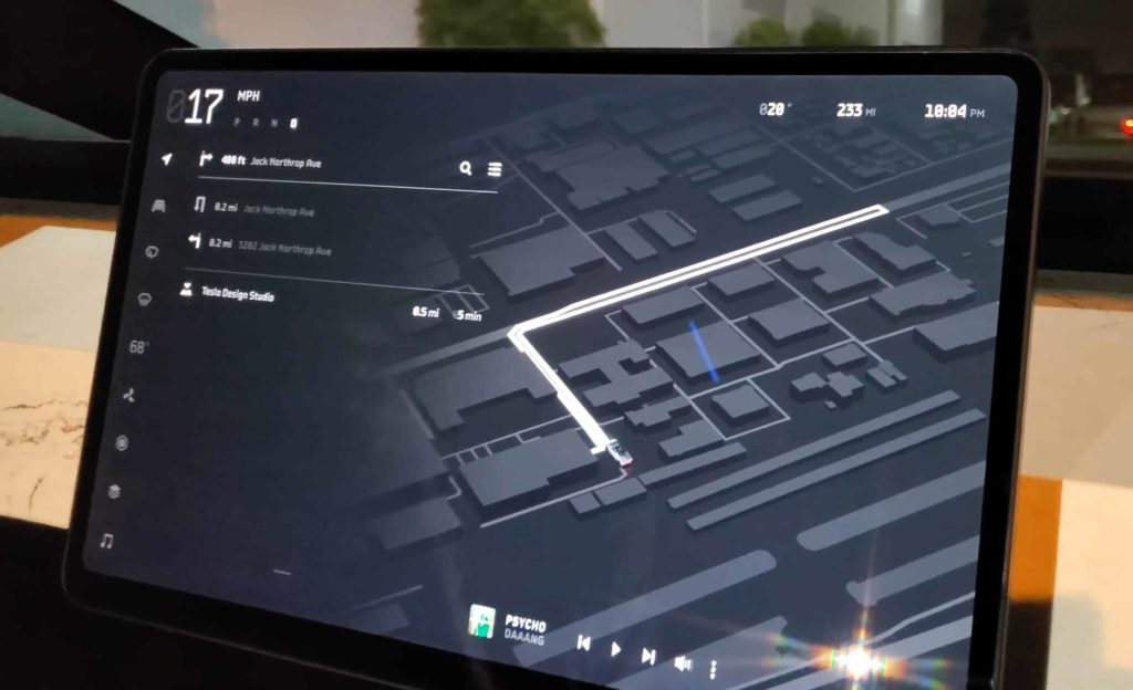 Cybertruck navigation moniteur ordinateur